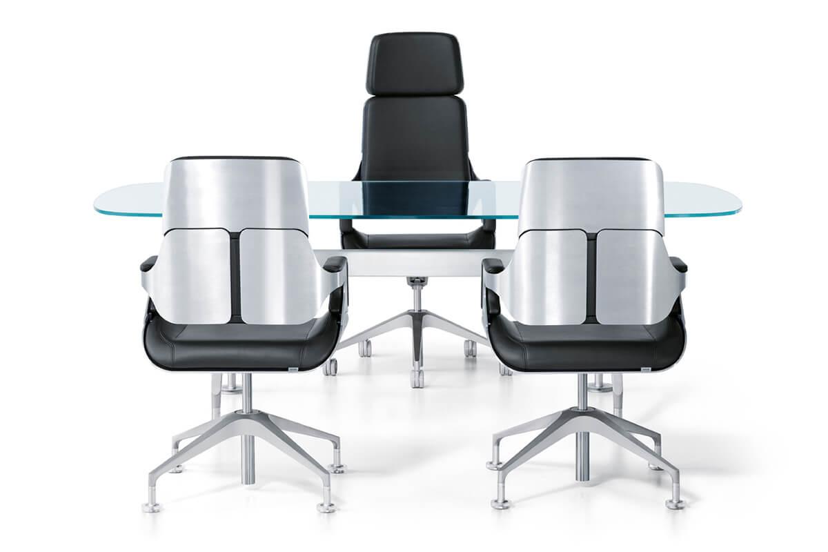 מה חשוב לבדוק כשקונים כיסא משרדי לעסק?