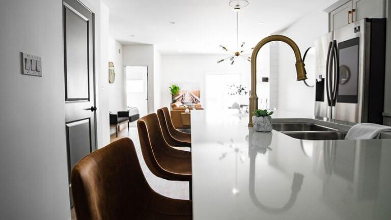 בחירה של רהיטים יוצאי דופן לדירה
